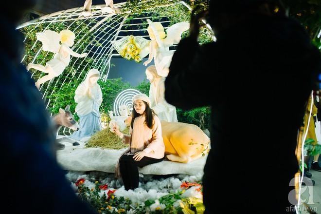 Ngắm các thiên thần nhí nghịch tuyết rơi, đón Noel sớm cùng bố mẹ trong ngày Hà Nội lạnh tái tê - ảnh 14