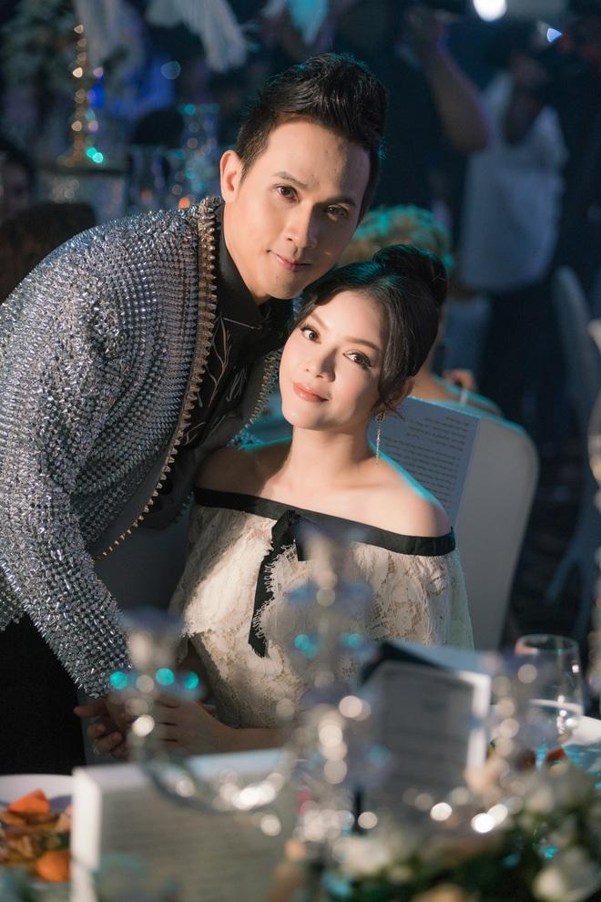 Lý Nhã Kỳ diện lại váy Chanel 2 tỉ đến mừng sinh nhật Nguyên Vũ - Ảnh 1.
