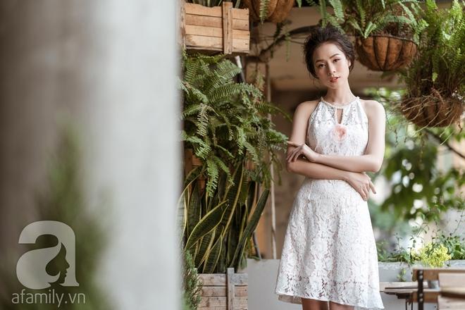 Liệu rằng có thiết kế nào yêu kiều, mong manh sánh nổi với những bộ váy ren tinh khôi này - Ảnh 11.