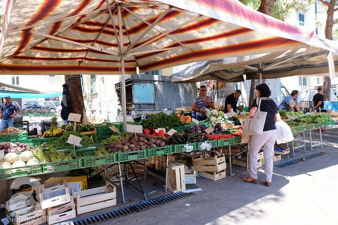 Trải nghiệm của cô gái Việt trên đất Ý: đi chợ nông dân mua rau quả, được khuyến mại niềm vui - Ảnh 4.