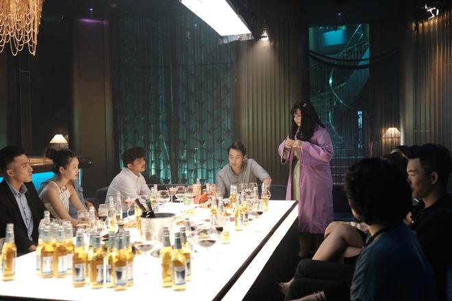Sắc đẹp ngàn cân bản Việt tung trailer chính thức, Minh Hằng phẫu thuật thẩm mỹ đẹp ngỡ ngàng - Ảnh 2.