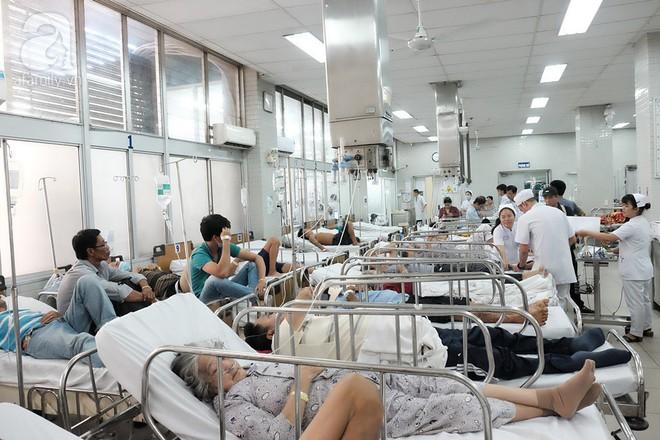 Bệnh viện ở Sài Gòn tặng 100 triệu đồng tiền thưởng ghép thận cho bà con vùng bão Tembin - Ảnh 1.