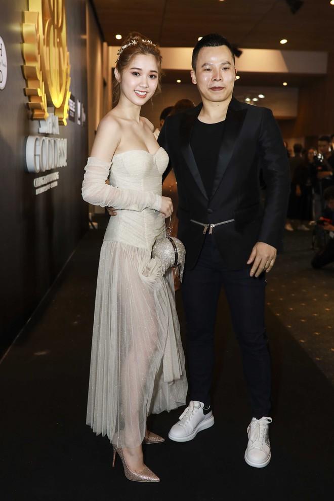 Hoa hậu đại dương Ngân Anh cùng dàn mỹ nhân thiêu đốt thảm đỏ show thời trang của Chung Thanh Phong - Ảnh 8.