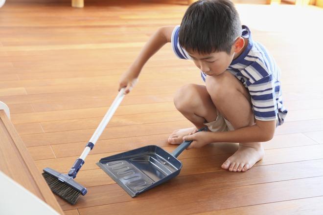 Chỉ với một chiếc đồng hồ, bạn sẽ giúp con làm việc nhà đầy hào hứng   - Ảnh 1.