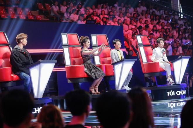 Vũ Cát Tường gục ngã vì thí sinh khủng bị Hương Tràm cướp ngay trước mắt trong tập đầu The Voice Kids - ảnh 1