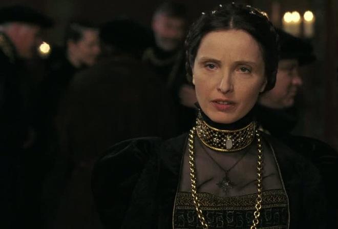 Nữ Bá tước xinh đẹp nhất châu Âu và chuyện giữ gìn tuổi xuân bằng phương pháp rùng rợn - Ảnh 7.
