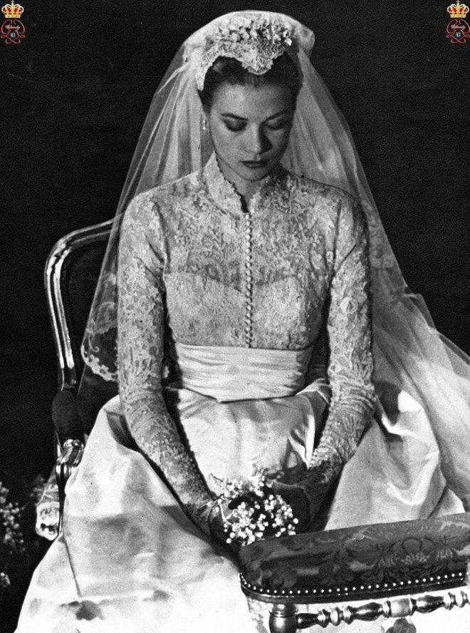 Điều bí ẩn gì đằng sau mẫu váy cưới Công nương Grace Kelly khiến cả thế giới sau 60 năm vẫn mê mẩn đến vậy - Ảnh 9.