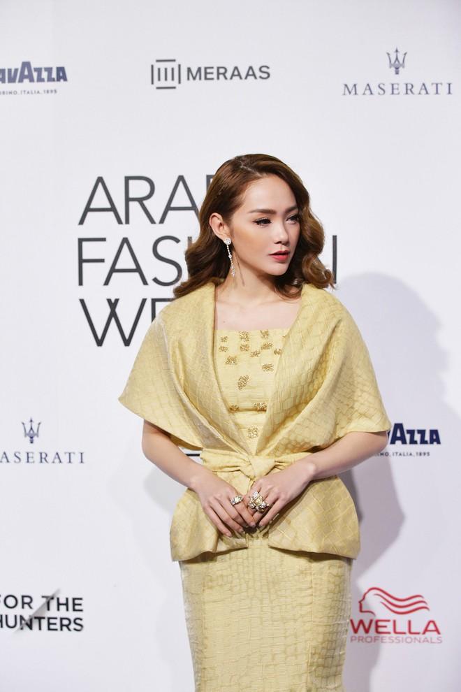 Phạm Hương và Minh Hằng đẹp bất phân thắng bại trên thảm đỏ Arab Fashion Week - Ảnh 3.