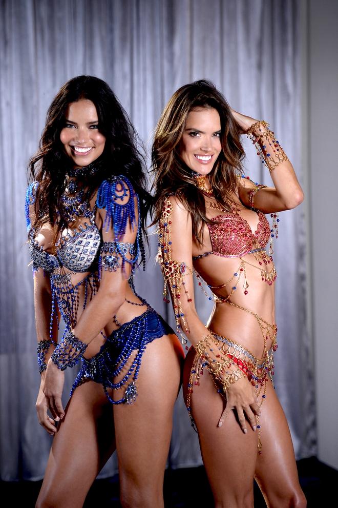 Ai cũng bất ngờ khi Adriana Lima thông báo thời gian nghỉ hưu show Victorias Secret  - Ảnh 4.