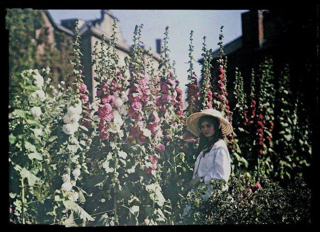 Ngắm vẻ ngọt ngào, lãng mạn của phụ nữ thế kỷ trước qua những bức ảnh màu tuyệt đẹp - Ảnh 7.
