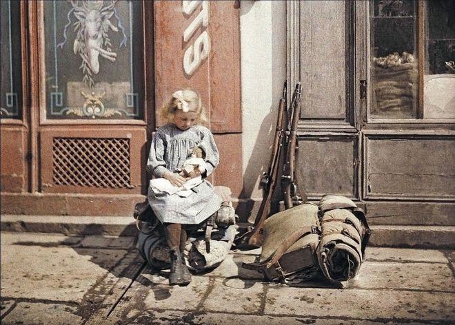 Ngắm vẻ ngọt ngào, lãng mạn của phụ nữ thế kỷ trước qua những bức ảnh màu tuyệt đẹp - Ảnh 12.