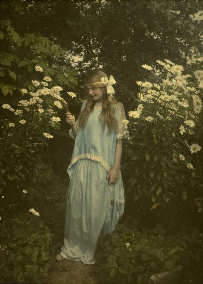 Ngắm vẻ ngọt ngào, lãng mạn của phụ nữ thế kỷ trước qua những bức ảnh màu tuyệt đẹp - Ảnh 16.
