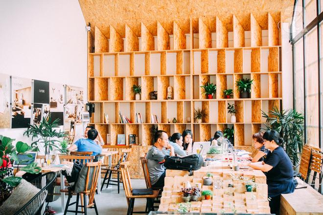 5 quán cafe trong ngõ để tìm tĩnh lặng và yên bình cho những ngày cuối hạ - Ảnh 12.
