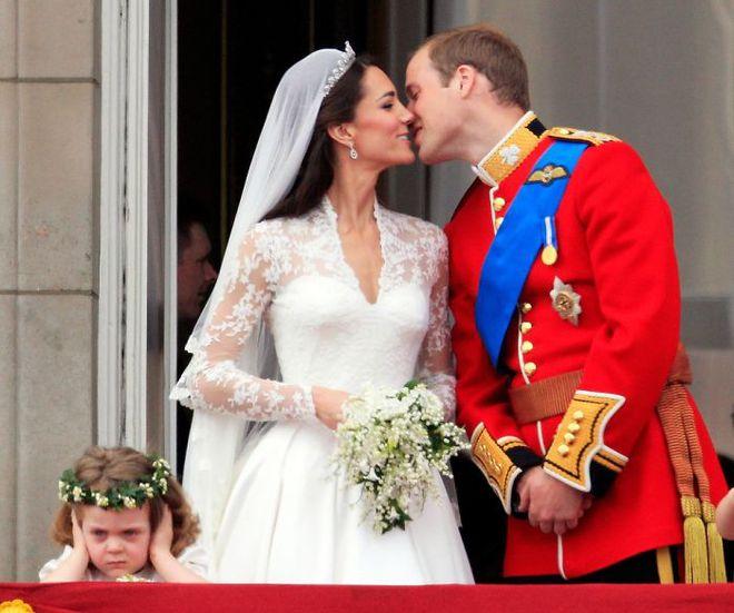 Khi người lớn cứ hào hứng như được mùa, những em bé này lại cảm thấy đám cưới như là một thảm họa vậy - Ảnh 3.