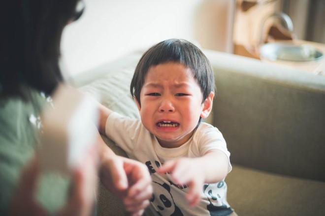 Để dạy con ngoan ngoãn, nề nếp, có 3 thứ mà bố mẹ nhất định phải cho con - Ảnh 1.