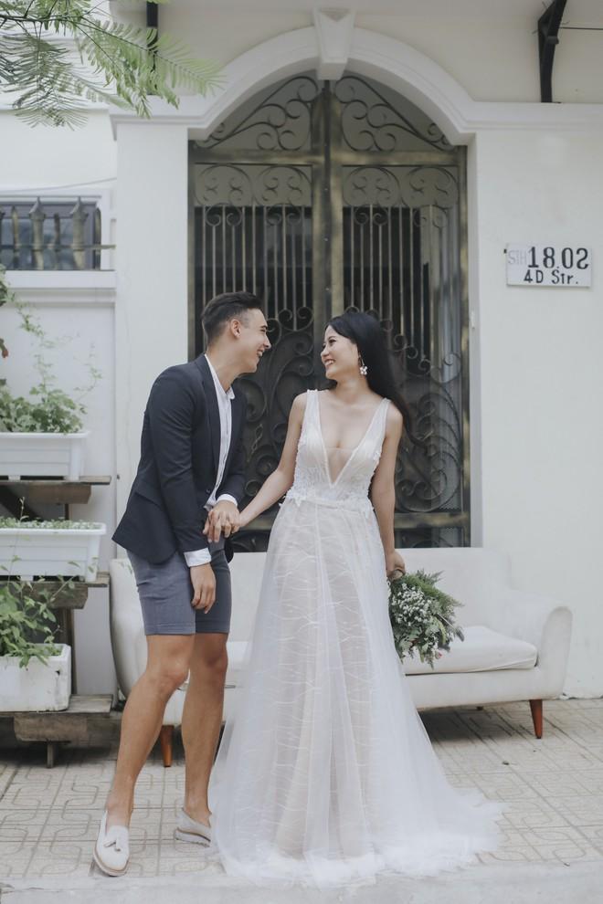 """Khiến MXH """"sục sôi"""" vì chụp ảnh cưới với chú rể đẹp như tài tử, cô dâu tiết lộ chuyện tình 1 năm ngọt ngào - Ảnh 5."""