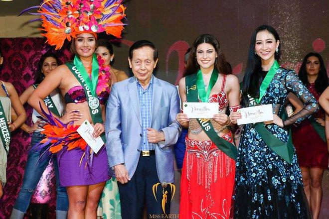 Tự tin hát tiếng Anh, Hà Thu giành huy chương phần thi tài năng Miss Earth - Ảnh 2.