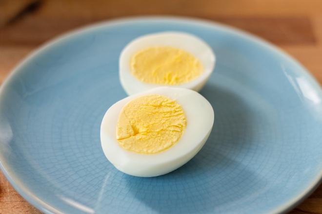 Thay vì luộc, hãy hấp trứng, siêu ngon mà lại cực dễ bóc vỏ - Ảnh 5.