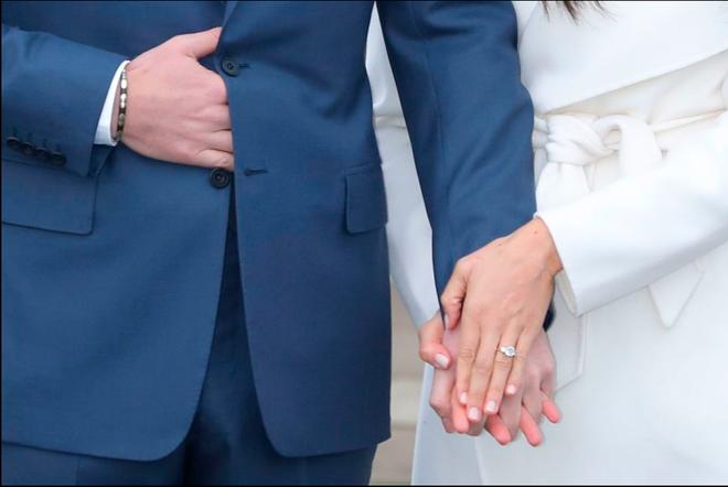 Không chỉ có tình yêu mật ngọt, lời cầu hôn và nhẫn đính hôn của Hoàng tử Harry cũng tựa như cổ tích - Ảnh 3.