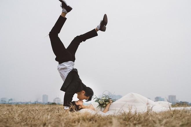 """Nhảy vòng quanh Hà Nội - ảnh cưới """"chất phát ngất"""" của cặp đôi vũ công """"chị ơi, em yêu chị"""" - Ảnh 8."""