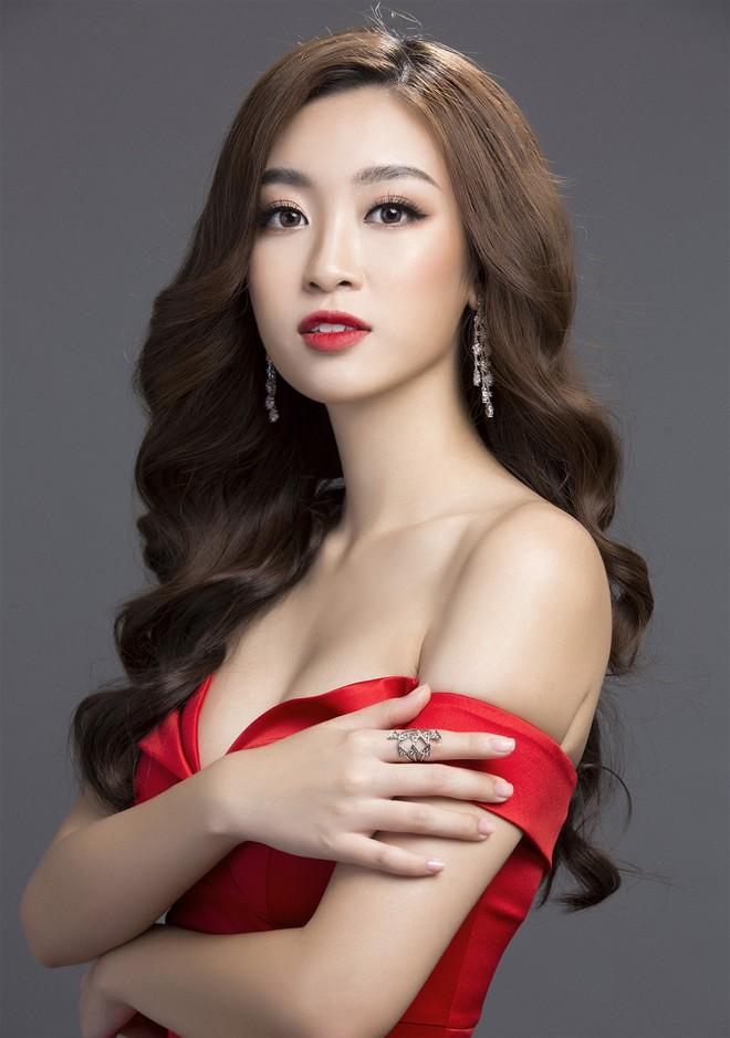 Mỹ Linh diện đầm đỏ hở vai đẹp kiêu sa sau khi dẫn đầu bình chọn online - Ảnh 7.