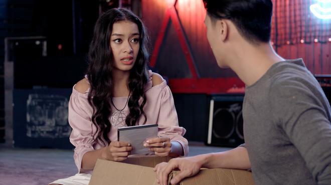 Glee: Angela Phương Trinh khóc ngất khi mẹ cô đòi mang đứa con mới sinh đem đi cho - ảnh 3
