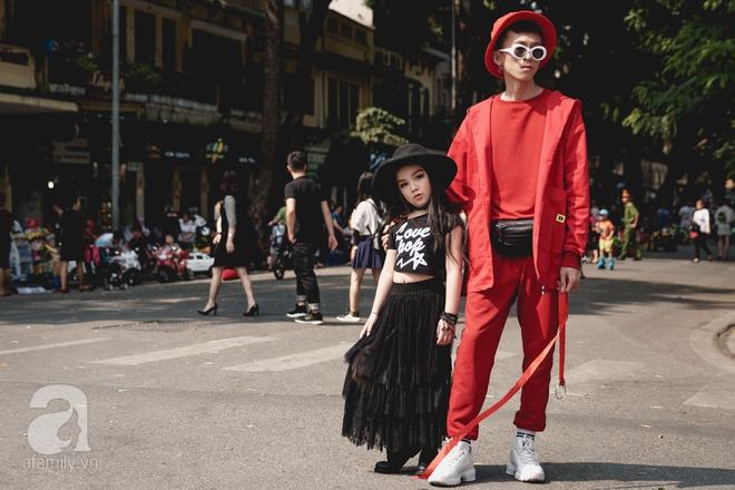 Vietnam International Fashion Week: Mới ngày đầu mà các nhóc tì đã đổ bộ xuống phố với street style chất phát ngất thế này - Ảnh 10.
