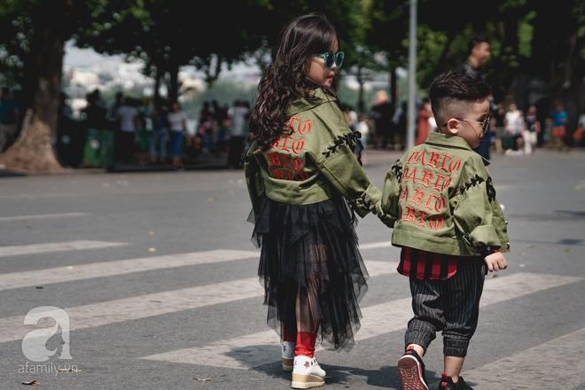 Vietnam International Fashion Week: Mới ngày đầu mà các nhóc tì đã đổ bộ xuống phố với street style chất phát ngất thế này - Ảnh 13.