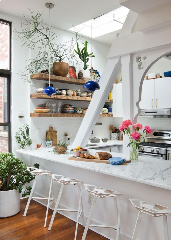 Chỉ khoảng 5m² nhưng căn bếp này chính là giấc mơ của các bà nội trợ - Ảnh 2.