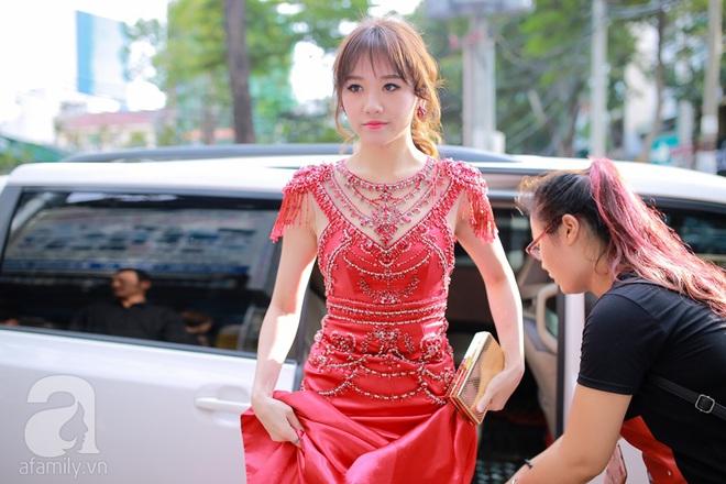 Hari Won lộng lẫy với váy đỏ khoe thân hình thon gọn - Ảnh 1.