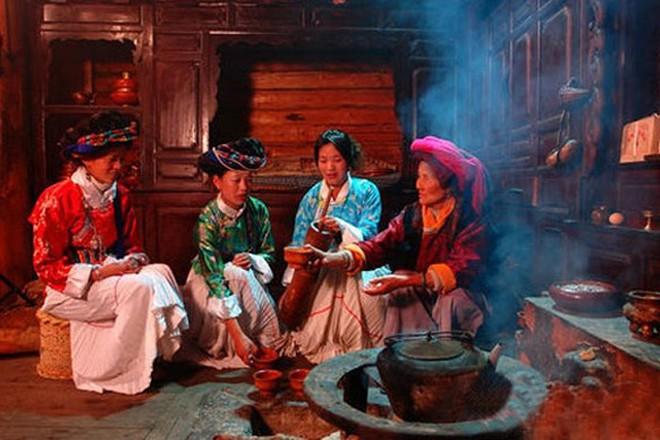 Điểm mặt 4 Tây Lương Nữ Quốc còn tồn tại: nơi không có khái niệm bố, nơi phụ nữ có thể thoải mái tình một đêm - Ảnh 1.
