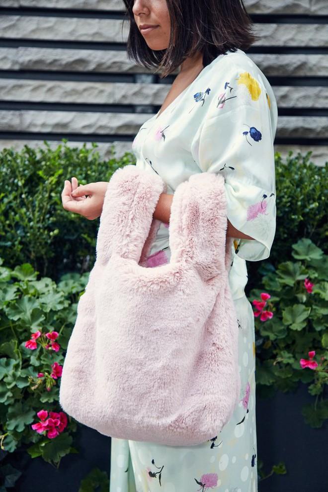 Chẳng cần phải hàng hiệu lồng lộn để dự Tuần lễ thời trang, cô nàng này toàn chọn đồ bình dân mà vẫn nổi bật - Ảnh 4.