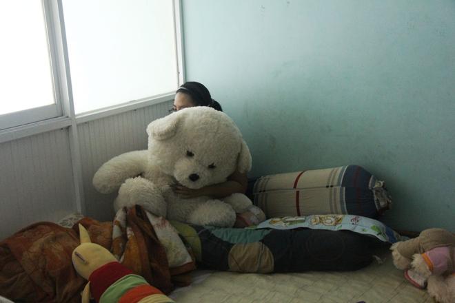 Qua nhà anh rể giúp việc, bé gái bị dùng vũ lực, hiếp dâm đến mang thai 8 tháng - Ảnh 9.