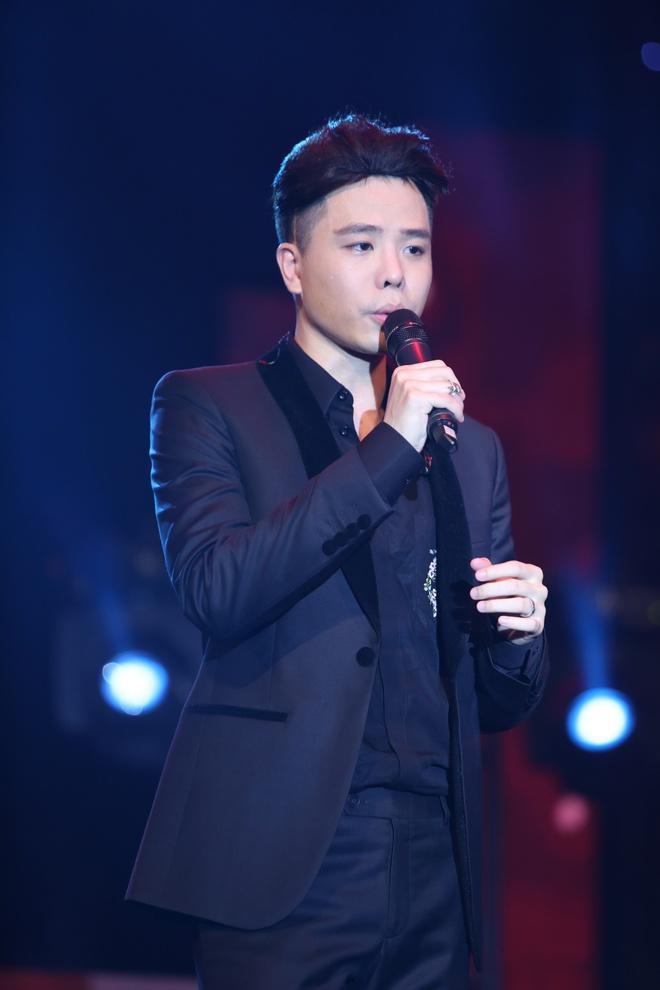 Minh Hằng thẹn thùng khi Trịnh Thăng Bình bất ngờ khóa môi trên sân khấu - Ảnh 8.