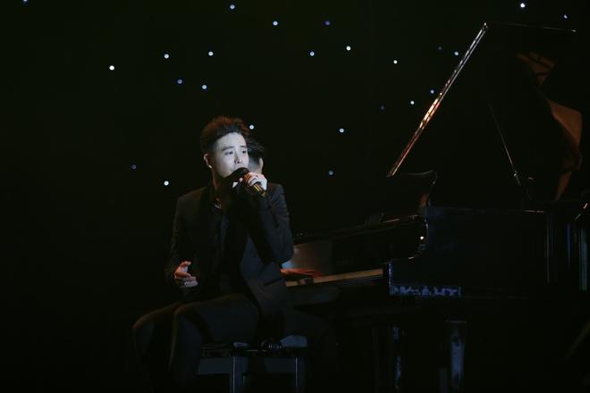 Minh Hằng thẹn thùng khi Trịnh Thăng Bình bất ngờ khóa môi trên sân khấu - Ảnh 9.