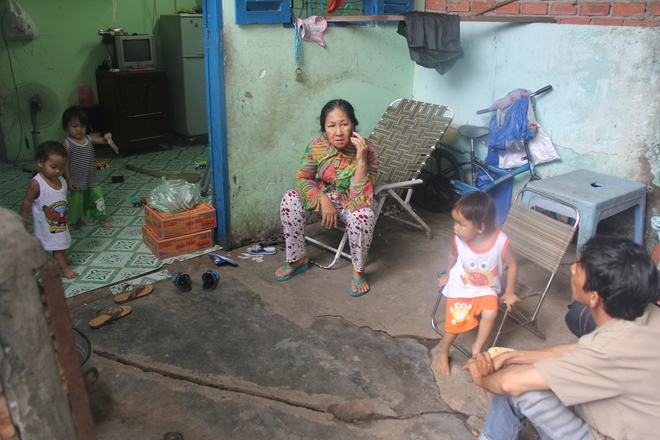 Ông ngoại của 6 đứa trẻ bị nhốt trong nhà, trần truồng gào khóc dưới mưa: Tôi không dám nhận tiền giúp đỡ của ai - Ảnh 2.