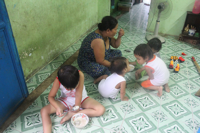 Ông ngoại của 6 đứa trẻ bị nhốt trong nhà, trần truồng gào khóc dưới mưa: Tôi không dám nhận tiền giúp đỡ của ai - Ảnh 4.