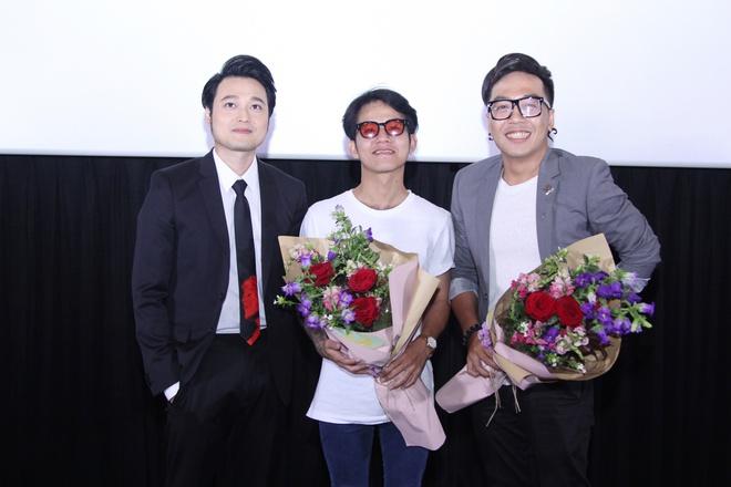 Bạn thân Lý Quí Khánh bất ngờ ôm hoa tới chúc mừng Quang Vinh  - Ảnh 4.