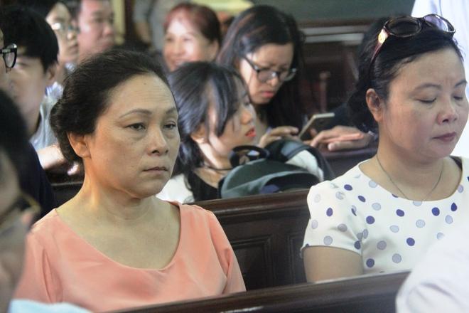 Tiếp phiên xét xử vụ lừa đảo 16,5 tỷ đồng: Phương Nga phản biện khiến luật sư của Cao Toàn Mỹ lặng im - Ảnh 15.