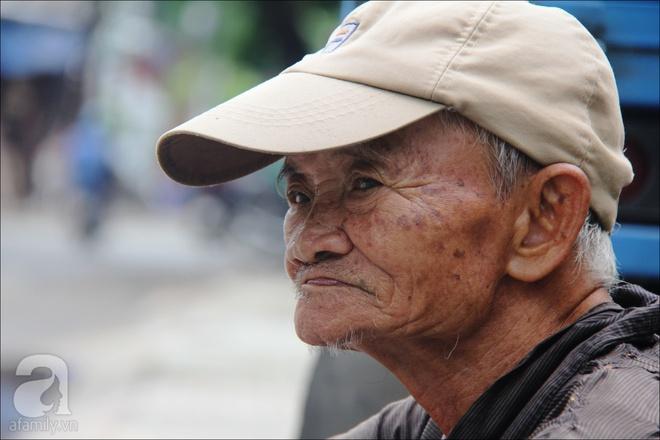 Tết Đoan Ngọ, nhà nhà sum vầy, cha già trăm tuổi vẫn đi bộ khắp Sài Gòn, bán bánh ú nuôi hai con gái - Ảnh 3.