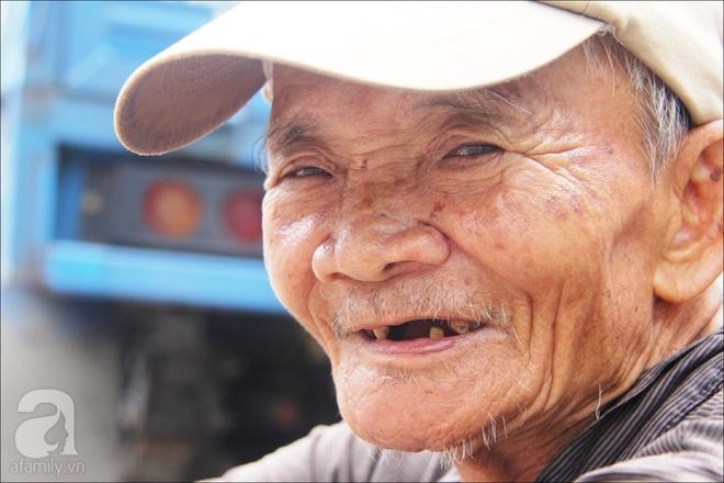 Tết Đoan Ngọ, nhà nhà sum vầy, cha già trăm tuổi vẫn đi bộ khắp Sài Gòn, bán bánh ú nuôi hai con gái - Ảnh 9.