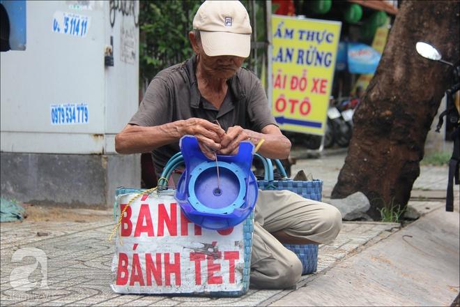 Tết Đoan Ngọ, nhà nhà sum vầy, cha già trăm tuổi vẫn đi bộ khắp Sài Gòn, bán bánh ú nuôi hai con gái - Ảnh 15.