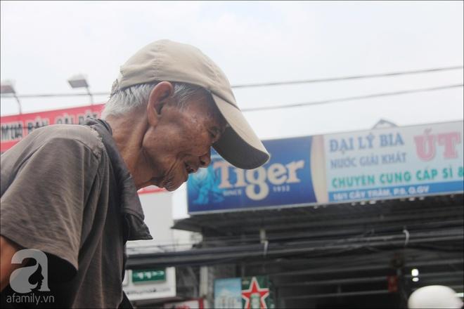 Tết Đoan Ngọ, nhà nhà sum vầy, cha già trăm tuổi vẫn đi bộ khắp Sài Gòn, bán bánh ú nuôi hai con gái - Ảnh 7.