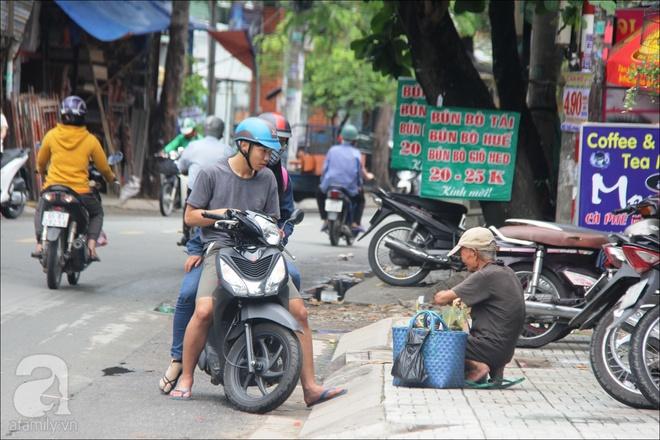 Tết Đoan Ngọ, nhà nhà sum vầy, cha già trăm tuổi vẫn đi bộ khắp Sài Gòn, bán bánh ú nuôi hai con gái - Ảnh 11.