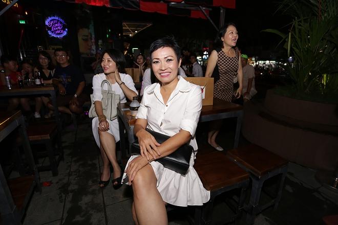 Khánh Thi - Phan Hiển trốn con, tình tứ rủ nhau đi xem ca nhạc  - Ảnh 5.