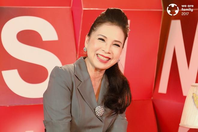 NSƯT Kim Xuân: Đi gần hết cuộc đời, vẫn thấy ấm lòng vì có chồng con bên cạnh - Ảnh 11.