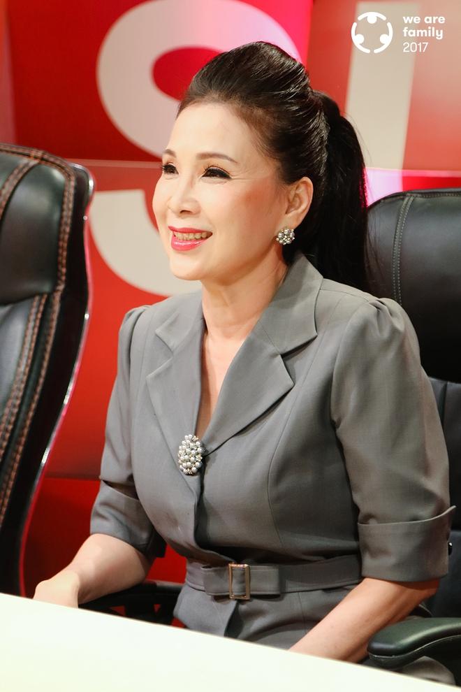 NSƯT Kim Xuân: Đi gần hết cuộc đời, vẫn thấy ấm lòng vì có chồng con bên cạnh - Ảnh 4.