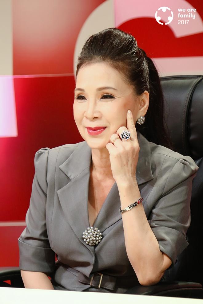NSƯT Kim Xuân: Đi gần hết cuộc đời, vẫn thấy ấm lòng vì có chồng con bên cạnh - Ảnh 9.