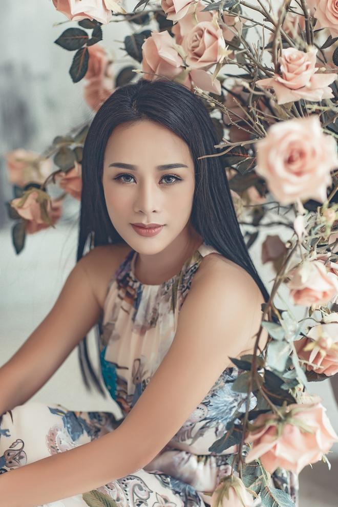 Nhan sắc xinh như hot girl dù đã 3 con của vợ ca sĩ Việt Hoàn - Ảnh 7.