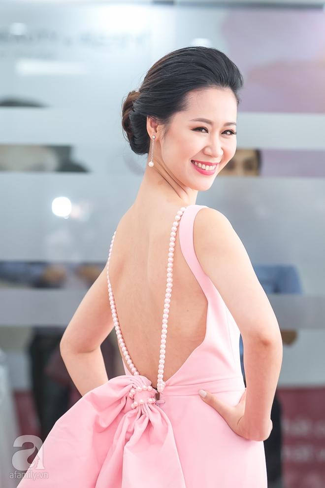 Mặc đồ giản dị nhưng Hoa hậu Thu Thảo vẫn khiến mọi ánh nhìn xao xuyến - Ảnh 6.